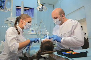 Широкий спектр возможностей в современных стоматологических центрах