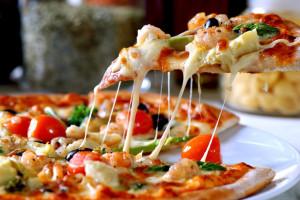 Заказывайте вкусную  и ароматную пиццу на сервисе zolotaja-rybka  ua com