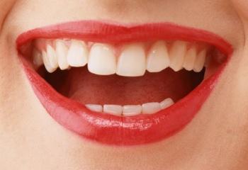 Отбеливание зубов «бабушкиными» методами